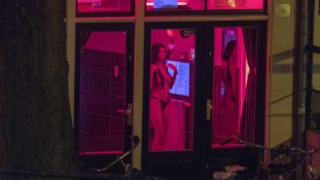 Amsterdam'ın ünlü sokağında genelevlerin kapatılması gündemde