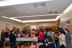 İngiltere Alevi Kültür Merkezi ve Cemevi'nde öğretmenler günü kutlaması