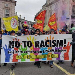 Day-Mer, ırkçılığa ve eğitim kesintilerine karşı yürüdü