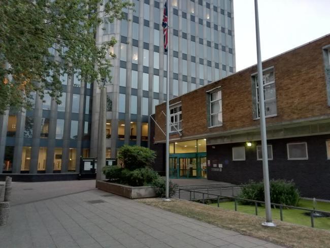 Enfield Belediyesi'ne 18 milyonluk kredi verildi