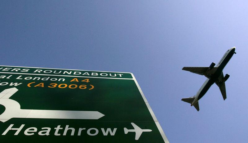 Pist ışıklandırması bozuldu, Londra'da hava trafiği durdu