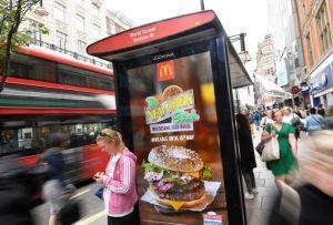 """Londra'da obeziteye karşı önlem: """"Yiyecek, içecek reklamları yasaklanacak"""""""