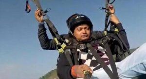 Yamaç paraşütünün ipi koptu: Turistin hayatını kurtaran pilot öldü