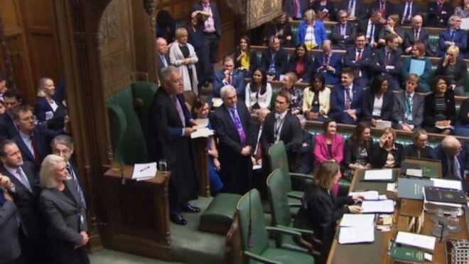 İngiltere hükümeti Parlamento'daki oylamayı kaybetti