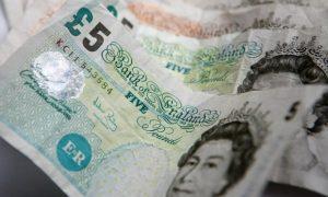 İngiliz ekonomisi hız kesti