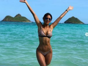 Eiza Gonzalez, Hawaii'yi yaktı