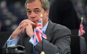 UKIP'in eski lideri Nigel Farage partisinden istifa etti