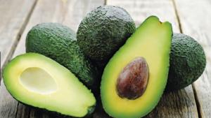İngiltere'deki kafeler 'avokadoyu' menülerinden çıkartıyor