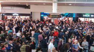 Gatwick Havalimanı olayında iki gözaltı
