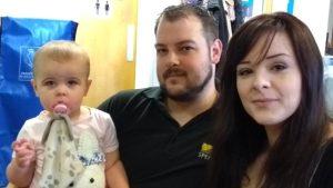 İngiliz çift Facebook'ta toplanan yardımlarla çocuk sahibi oldu