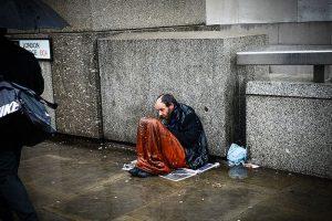 İngiltere'de evsiz ölümleri yüzde 24 arttı, en fazla ölüm Londra'da