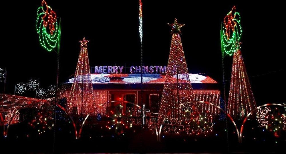 Noel ışıkları için her gece için 3 bin dolar ceza ödüyorlar