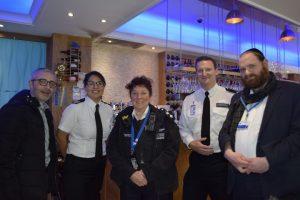 Hackney Polisi 4'üncü Noel kahvaltısını gerçekleştirdi