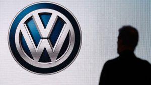 Volkswagen ve Tesco, İngiltere'nin en büyük ücretsiz araba şarj ağını kuracak