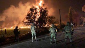Meksika'da 'benzin çalmak' için delinen boru hattında patlama: Ölü sayısı 66'ya çıktı