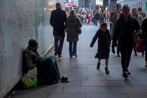 İngiltere ve Galler'de 230 bin kişi evsiz kalabilir