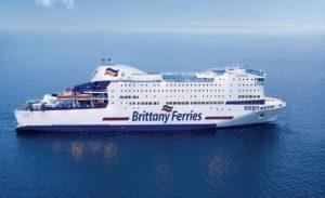 İngiliz gemi ve feribot şirketleri Kıbrıs bandırasına geçiyor