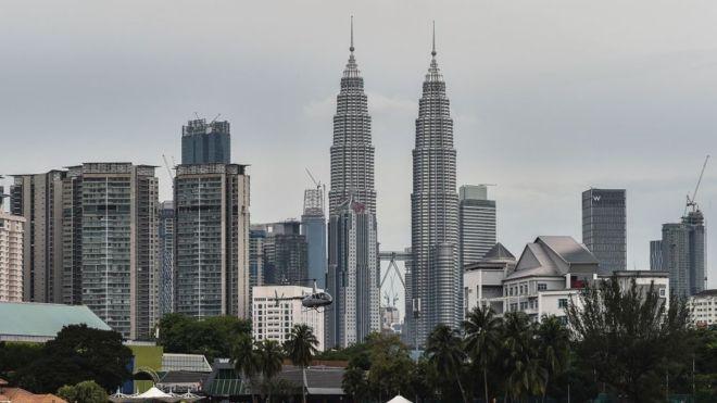 Malezya'da bedava yemek kuponu dağıtımında iki yaşlı kadın ezilerek öldü