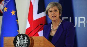 40 eski İngiliz büyükelçiden May'e çağrı: Ya Brexit'i geciktir, ya referanduma git