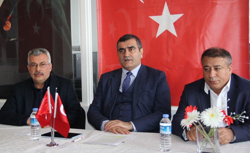 """CHP İngiltere Birliği'nde""""2019 Türkiye'si nereye gidiyor ve yerel seçimler"""" paneli"""
