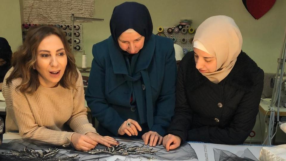 Syrian refugees' fabric showcased by Zeynep Kartal