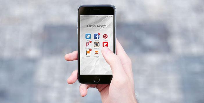 Gençler Facebook yerine Instagram'ı tercih ediyor