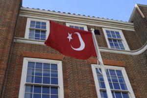 Barking'te Hasan Özcan için bayrak töreni yapıldı