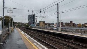 Hackney Wick demiryolu hattında iki kişiyi elektirik çarptı