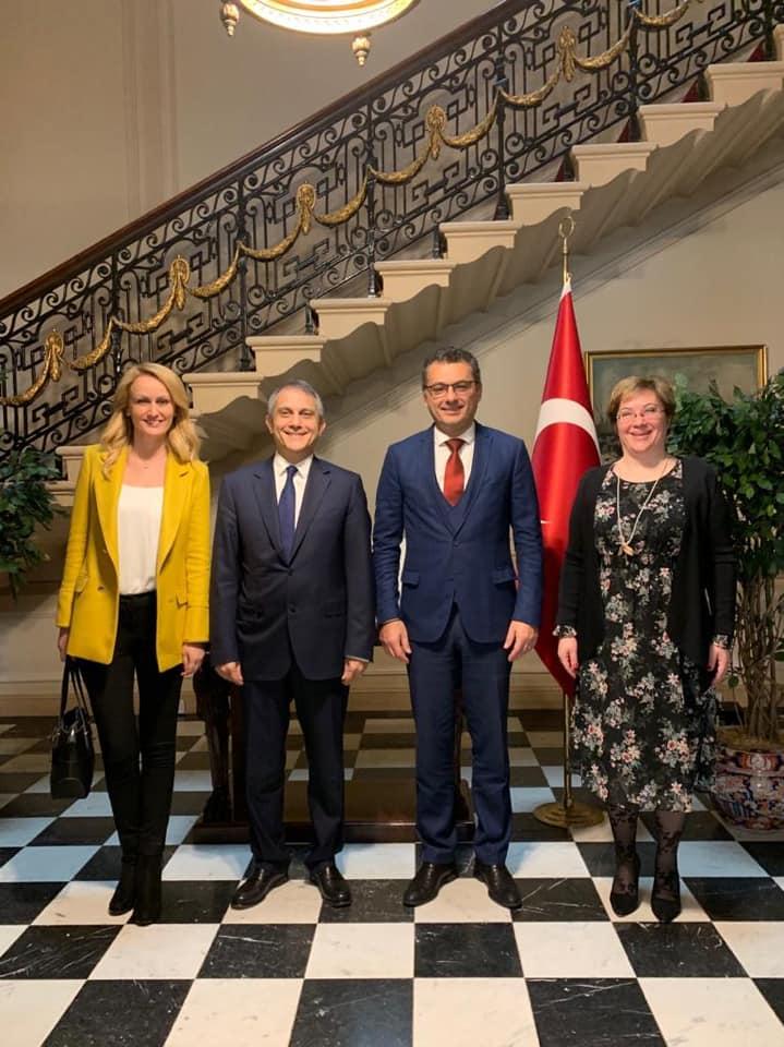 Erhürman, TC Londra Büyükelçiliği'ni ziyaret etti
