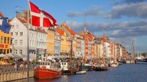 Danimarka'da nakit para ile alış veriş sona eriyor