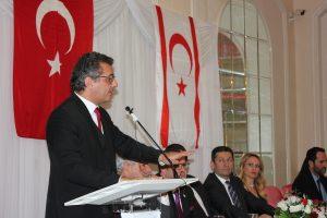 """""""Kıbrıs'ta da İngiltere'de de bir araya gelerek güçlerimizi birleştirmeliyiz"""""""