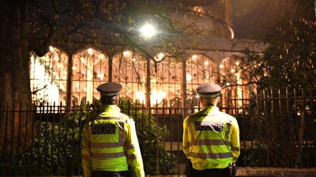 Londra Merkez Camisi yakınlarında cinayet!
