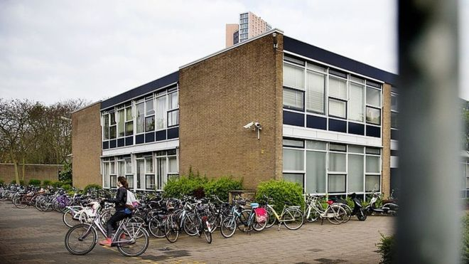 Hollanda'da okul bahçelerinde sigara içmek yasaklanıyor