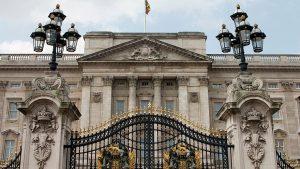 İngiliz Kraliyet Ailesi'nden, 'hakaret içerikli mesajlara' tepki