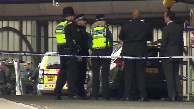 Londra'daki şüpheli paketlerle ilgili 'terör' şüphesi