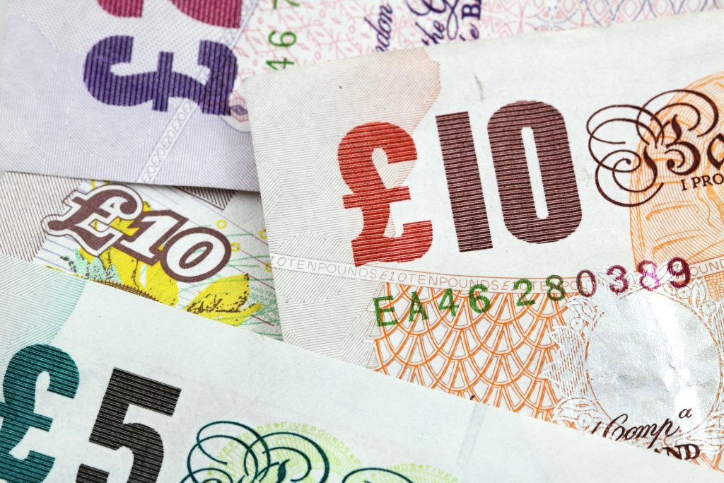 £1.5bn worth of old £5 and £10 not cashed