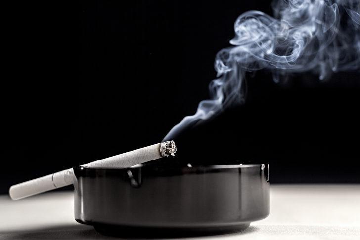 """""""İngiltere'de son sigara 2050 yılında içilecek"""""""