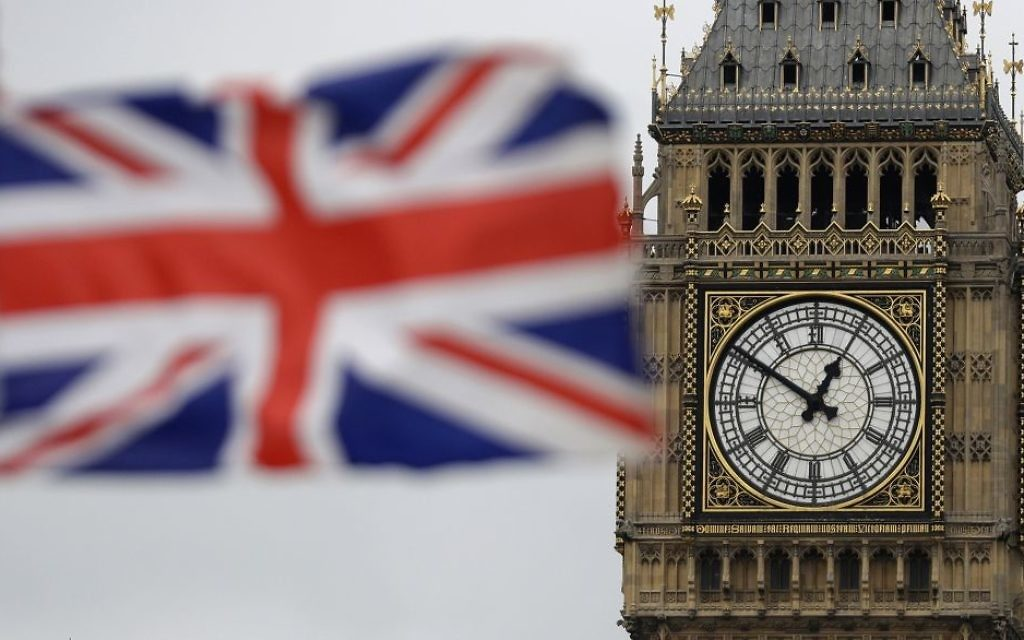 MPs back vote to delay Brexit