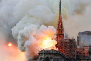Total'den Notre Dame Katedrali'ne 100 milyon Euro bağış