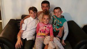 Kampta ateşe düşen 7 aylık yeğenini tedavi için İngiltere'ye getiren Iraklı sığınmacı sınır dışı edilecek