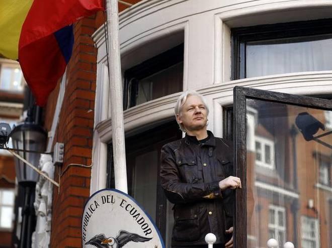 Sweden looking at re-opening rape case against Julian Assange