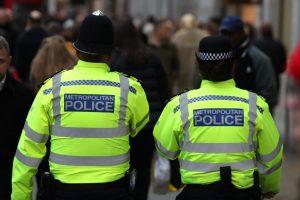 Polis Haringey'deki cinsel saldırganların peşinde