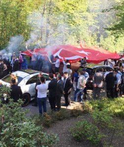 Almanya'da Türk düğün konvoyu gündem oldu