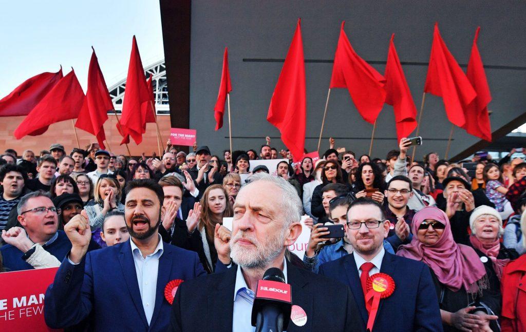 """""""İşçi Partisi'nin çoğunluğu ikinci bir referandum yapılmadan May'in anlaşmasını desteklemeyecek"""""""
