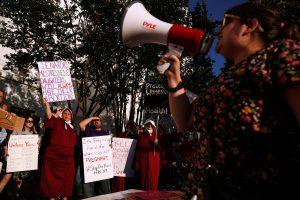 Kürtajı yasaklayan Alabama senatosuna tepki dinmiyor