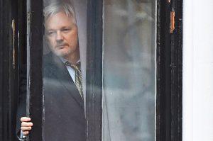 İsveç, Assange hakkındaki tecavüz soruşturmasını tekrar açtı