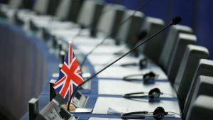 Avrupa Birliği'nden ayrılma sürecini tamamlamaya çalışan Britanya AP seçimlerine katılacak