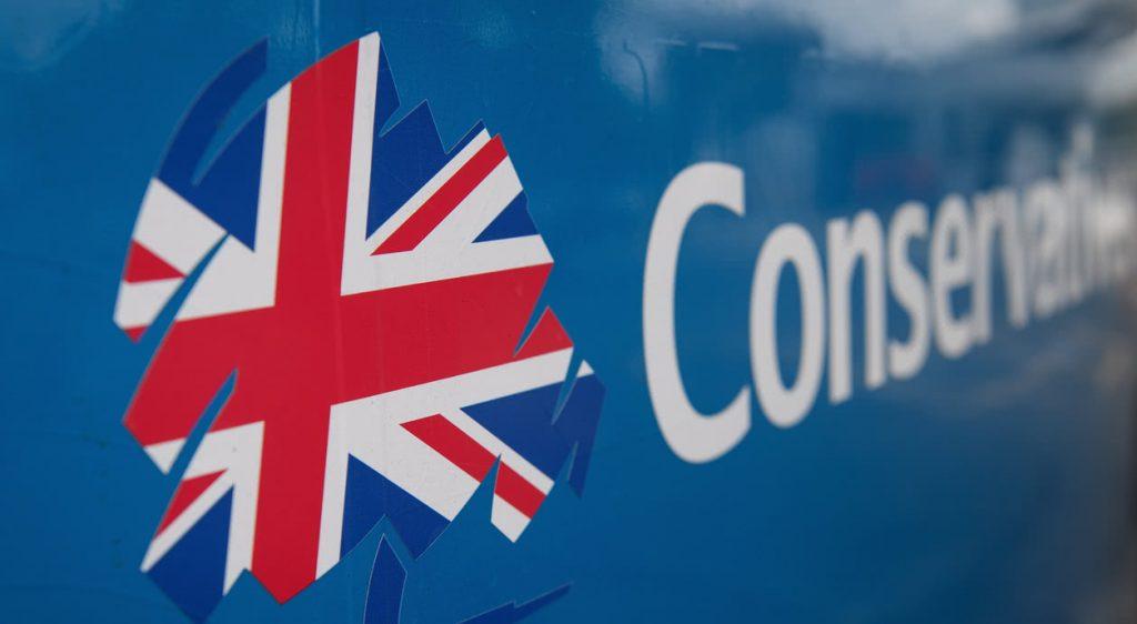 İngiltere'de yerel seçimlerde ilk sonuçlar iktidardaki Muhafazakar Parti lehine