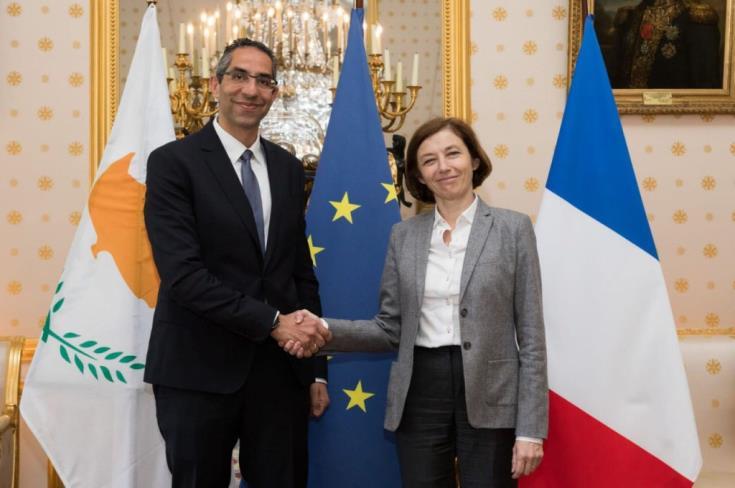'Fransa, Kıbrıs'taki deniz üssünü kullanacak' iddiası