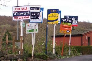 House prices pick up in April